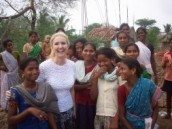 Janet-Ward-with-Indian-children